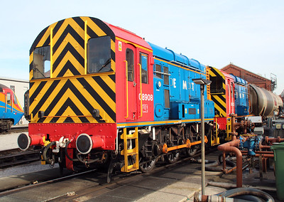 EMT Shunters 08525 and 08908 at Neville Hill.