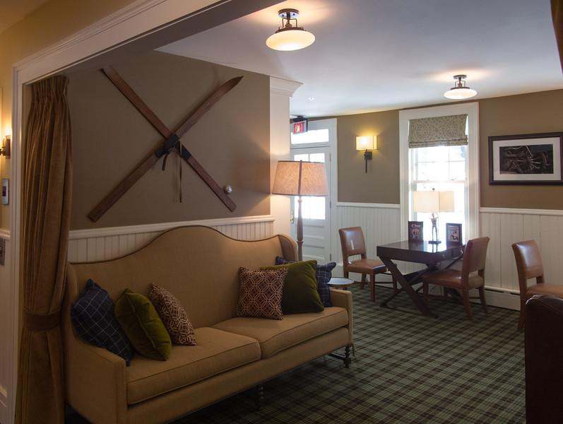 Bretton Arms Inn, living room