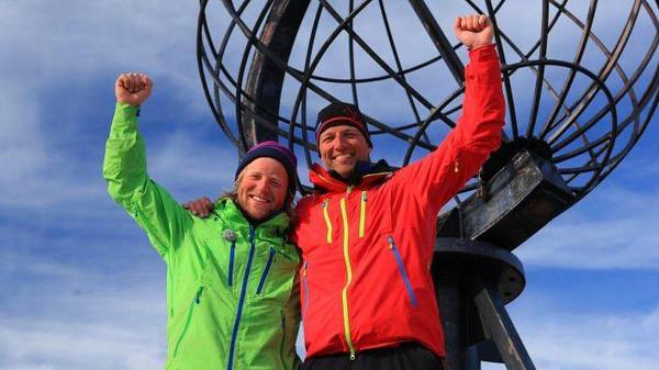 Vinner av 71 grader nord 2013 ble Andreas Våge fra Stavanger. Her sammen med programleder Tom Stiansen