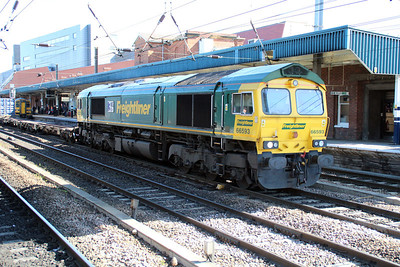66593 0945/4L87 Leeds-Felixstowe.