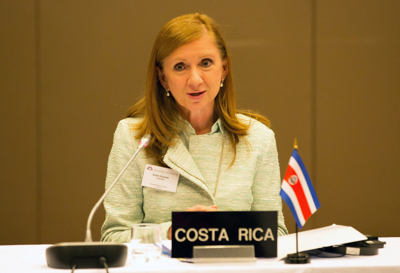 Anabel Gonzalez, Ministry of Foreign Trade, Costa Rica, at the signing of the EFTA-Central America Free Trade Agreement.