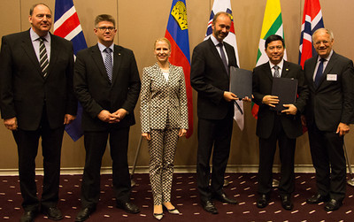 From left: Kristinn F. Árnason, Secretary-General, EFTA; Gunnar Bragi Sveinsson, Minister for Foreign Affairs and External Trade, Iceland; Aurelia Frick, Minister of Foreign Affairs, Liechtenstein; Trond Giske, Minister of Trade and Industry, Norway; Pwint San, Deputy Minister of Commerce, Myanmar; and Johann N. Schneider-Ammann, Federal Councillor, Head of the Federal Department of Economic Affairs, Education and Research, Switzerland.