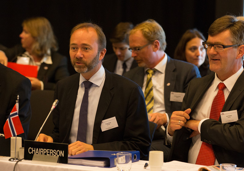 Trond Giske, Minister of Trade and Industry, Norway, chairing the EFTA Ministerial meeting. To his left, Jan Farberg, Director-General, Ministry of Trade and Industry, Norway.