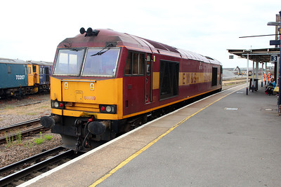 60049 runs light engine through Eastleigh station going to the depot to refuel.