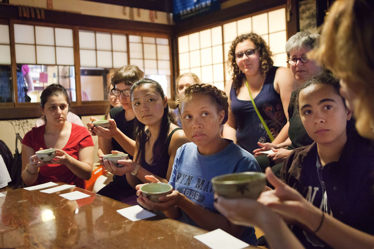 Bryn Mawr college students have tea after Zen meditation at Daisen-in, a sub temple of Daitoku-ji in Kyoto, Japan on Oct. 1, 2013 (Photo / Ko Sasaki)