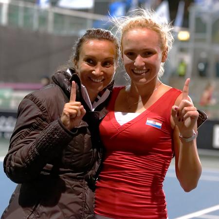 0104  Donna Vekic and captain Iva Majoli - Croatia - Fed cup 2013_04