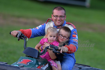 Duane Chamberlain with children Tristan and Taylor
