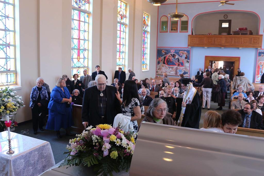 Funeral Dolores Revelos (16).jpg