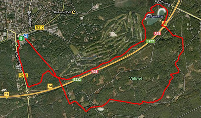 The route goes through some lovely woodland in the Veluwe.