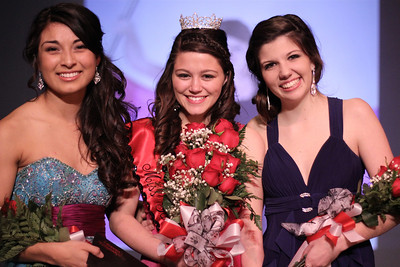 Jessi Saltijeral (left) second runner-up, Katie Smith, Miss Gardner-Webb, and Liv LuVisi, first runner-up