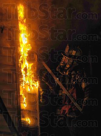 MET010213center fire