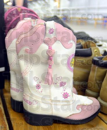 MET053113yardsale detail-boots