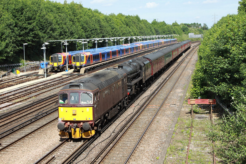 29 June 2013 :: 5Z81 from Southall to Bristol is seen passing Basingstoke powered by 33207 with LMS Class 5MT 4-6-0 no 44932 DIT