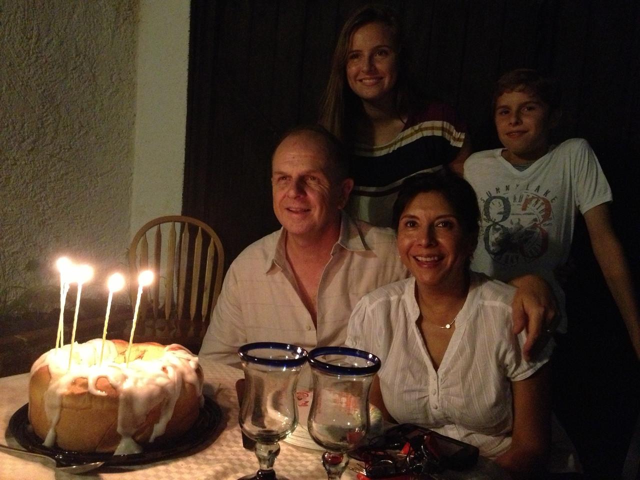 Celebrando el cumpleaños 55 de Tony Leeman.