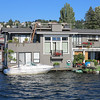 A tour of Lake Union houseboats .......