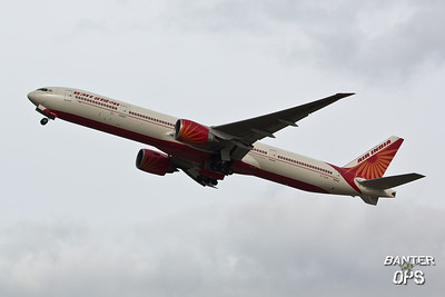 Boeing 777 VT-ALM Air India departing to Bombay
