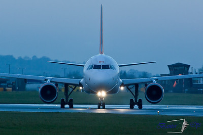 Airbus A.319  G-EZBH Easyjet Turns onto Runway 26 to back track