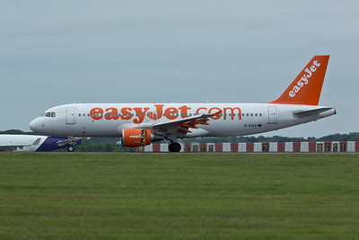 Airbus A.320 G-EZUX of EasyJet.
