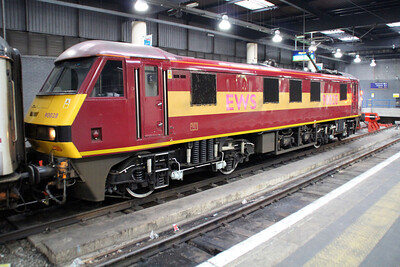 90028 sits at Euston having arrived on the 1m11 ex Glasgow sleeper.