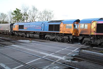 66720_66721(DIT) 2043/6H37 Tyne Dock-Drax pass Hillam Gates.