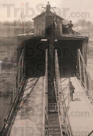 MET022813YOTR woodenbridge