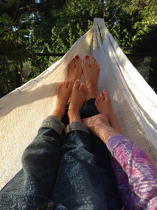 I've always thought Amelia's and Connor's feet were very different, until now!
