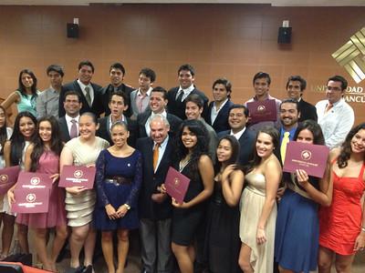 """La graduación """"Poyecto V"""""""