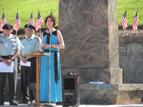 Joyce Rogers sings 'God Bless America'