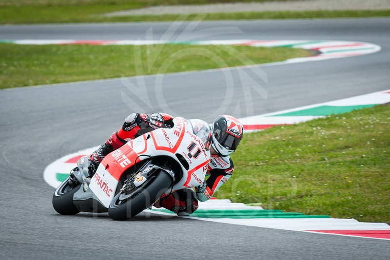 2013-MotoGP-05-Mugello-Friday-0402