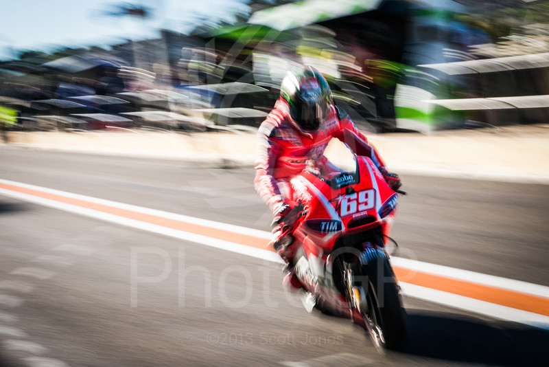 2013-MotoGP-18-Valencia-Saturday-0925-E