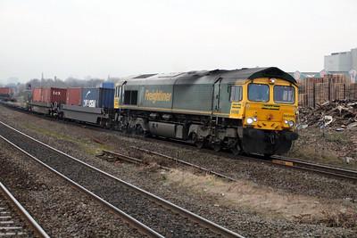 66568 0819/4o14 Crewe-Southampton passes Tyseley.