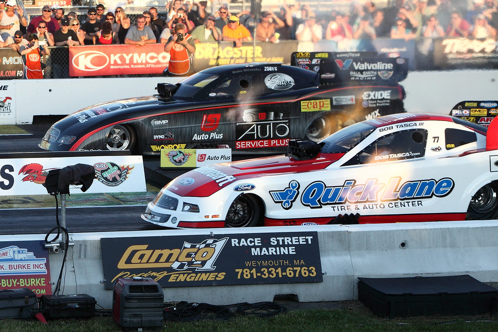 IMAGE: http://www.rockingpictures.com/2013/NHRA-New-England-Nationals/Friday-June-21st-Q2/i-Hw9TkrK/0/XL/IMG_4070-5DMK2-XL.jpg
