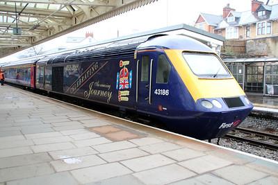 Jubilee vinyled power car 43186 on a Paddington service.