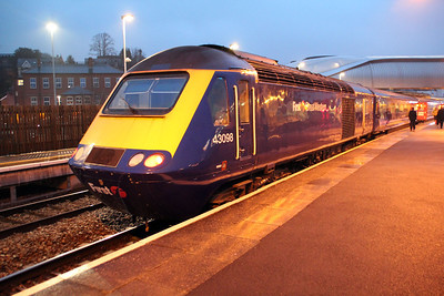 43098 on a Paddington service.