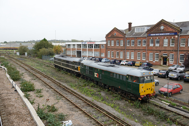 31 October 2013 :: 31452 & 31190 arriving at Eastleigh having worked 0Z66 from Kings Cross