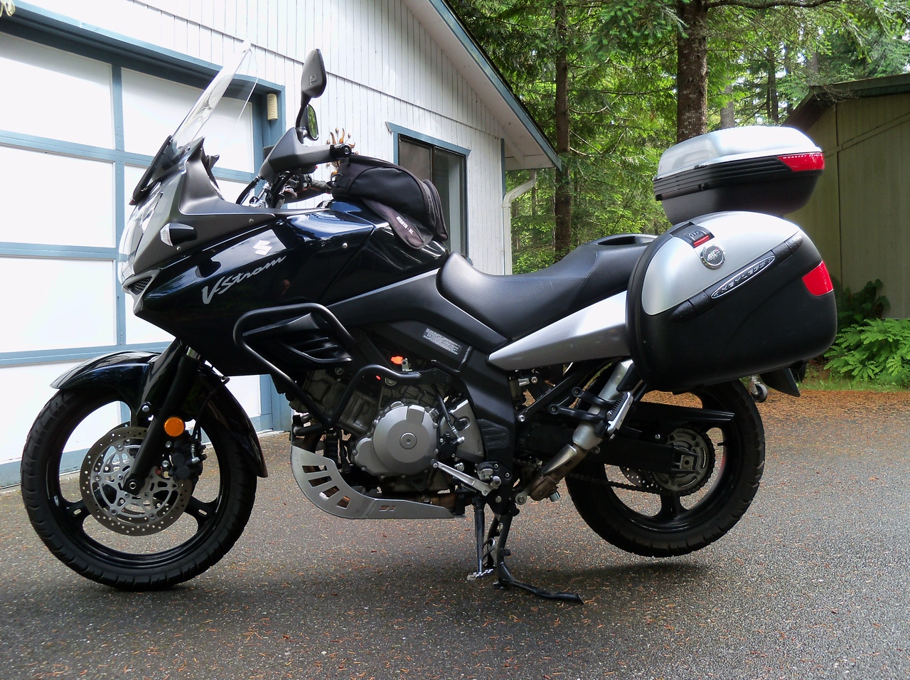 That's it, our new Adventure Tour Motorcycle... I always like the V-Strom... I rode one back in 2006 and almost bought it... This one is a 2008 with lots of goodies...