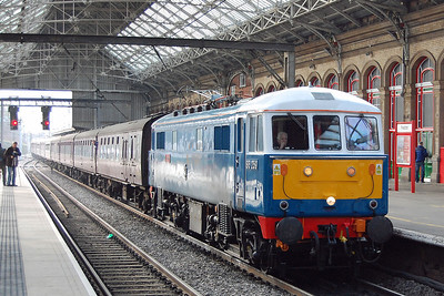Just a few minutes later, preserved 86259 'Les Ross' is seen arriving at Preston with the Railway Touring Company's 1Z86 0706 Euston-Carlisle charter (16/02/2013)
