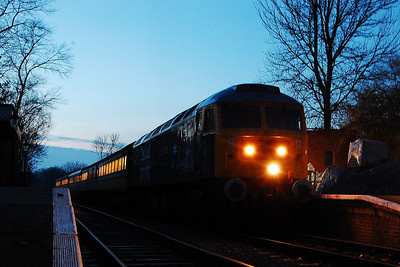 47580 worked the last train of the day after '579 developed a fault. 'County of Essex' stands at Thuxton with 1W15 1700 from Dereham to Wymondham Abbey as night falls (09/02/2013)