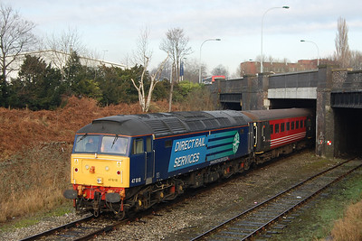 A bonus view of 47818 with its train beneath the A6 bridge as 5Z45 waited for the road out onto the main line at Heaton Norris (15/01/2013)