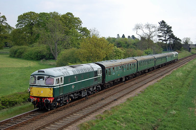 26010 brings up the rear of 2C34 at Woodthorpe. The Llangollen-based machine was one of two visiting locomotives that had been brought into the railway for the gala (19/05/2013)