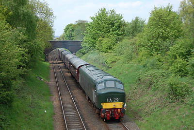 A few minutes (and a brisk walk) later, 45125 is seen approaching the A6 overbridge at Woodthorpe with 2A32 1505 Loughborough - Leicester North (19/05/2013)
