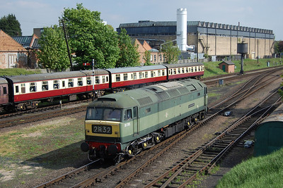 IN a chiange to the orignal plan, 47117 had the honour of working the weekend's final round trip to Leicester and is seen here backing onto the 1625 departure at Loughborough (19/05/2013)
