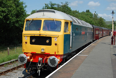 Later that afternoon, 47579 waits to depart from Rawtenstall with 2J78 1426 to Heywood. The northbound return leg of this final round trip had been due to feature all three '47s' but the aforementioned problems with 'Aldeburgh' meant there was only the highly-rateable 47402 to pilot 'James Nightall'. I rounded off an absolutely hell-fire weekend with a fast car down the M6 to watch New Order's only scheduled live UK performance this year in the stunning setting of Jodrell Bank (07/07/2013)
