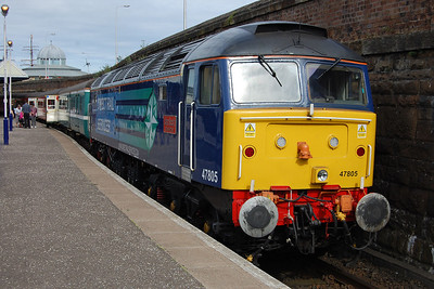 Later that afternoon, 47805  'John Scott' is pictured at the head of the return 1Z91 1637 Dundee - Blackpool North, which it worked as far as Preston (31/07/2013)