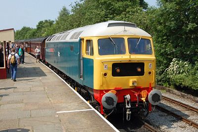 Also visiting from the Mid Norfolk Railway was 47579, which is seen here at Rawtenstall after working 2J69 1025 ex-Heywood (05/07/2013)