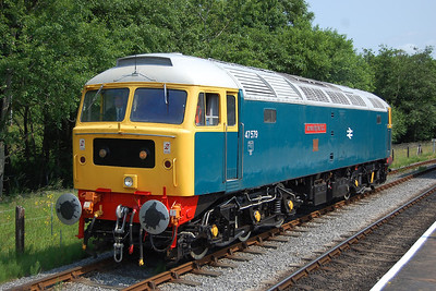 47579 runs round at Rawtenstall after arriving with 2J65. 'James Nightall' had taken over the train from former 'SF' stable-mate 'Aldeburgh Festival' at Bury (05/07/2013)