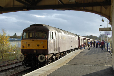 Framed by the train shed roof, 47786 basks in the late-afternoon sunlight after arriving at Thurso with 1Z57 0845 ex-Inverness (19/10/2013)