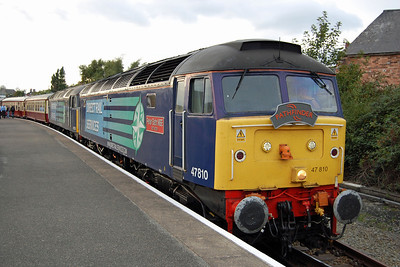 47810 + 47501 wait time at Llandudno Junction with 1Z69. With only nine coaches in tow and over 5,000 hp at the helm, the run from Holyhead had been understandably swift (07/10/2013)