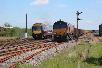 66107 1333/6m88 Middleton Towers-Warrington Arpley approaches March crossing 25/05/13.
