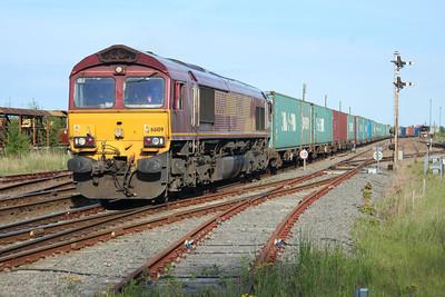 66109 1818/4e45 Felixstowe-Wakefield passes March 25/05/13.